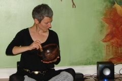 ANXIETY WORKSHOP AT YOGA WELL 03.19.11 playing the singing bowl1